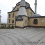 Tahir-Eksioglu-Kardesler-Camii-avlu-1200x800