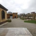 Tahir-Eksioglu-Kardesler-Camii-avlu-foto-1200x800