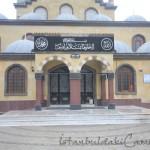Tahir-Eksioglu-Kardesler-Camii-giris-1200x800
