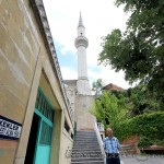 ahmet-dede-camii-bahce-merdivenleri-minare-1200x800