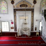 ahmet-dede-camii-balkon-minber-mihrap-pencereler-1200x800