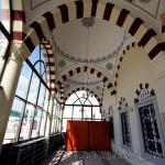 haseyed-camii-kapi-giris-ic-foto