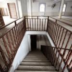 madenler-mevlana-camii-sancaktepe-merdiven-ahsap-1200x800