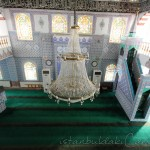 sarigazi-haci-ibrahim-efendi-camii-avize-mihrap-1200x800