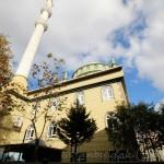 sarigazi-haci-ibrahim-efendi-camii-minare-fotografi-1200x800