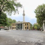 tesvikiye-camii-avlusu-minaresi