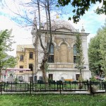tesvikiye-camii-yan-cephe-ve-bahce-fotografi