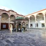 Veysel-Karani-Camii-avlu-sadirvan