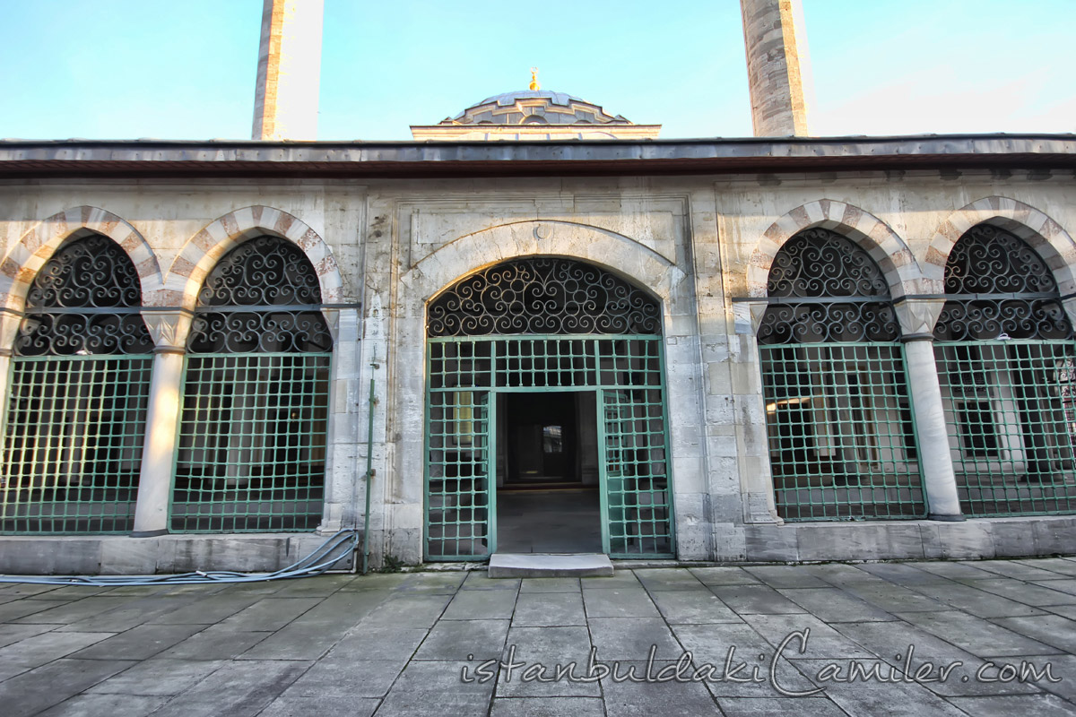 Atik Valide Mosque Photo Gallery  MosquesInIstanbul.com