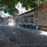 cavuszade-camii-fatih-avlu-foto-1200x800