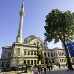 dolmabahce-camii-valide-sultan-bezm-1200x800