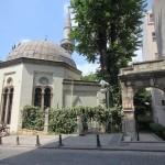 fuat-pasa-cami-fatih-minare-kubbe-giris-1200x800