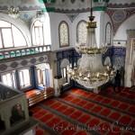 kara-mustafa-pasa-camii-avize-balkon-foto-1200x800