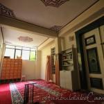 karaki-huseyin-celebi-cami-fatih-giris-1200x800