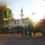 kumsal-camii-adalar-minare-foto-800x1200