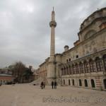 laleli-camii-avlusu-minare-1200x800