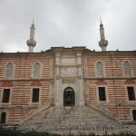 laleli-camii-minareler-kapi-1200x800