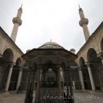 laleli-camii-minareler-sadirvan-1200x800