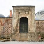 mihrimah-sultan-camii-edirnekapi-kapi-fotosu-1200x800
