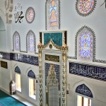 mimar-sinan-camii-mihrap-pencereler-dekorasyon-800x1200