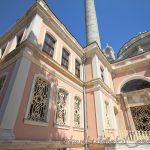 ortakoy-cami-besiktas-minare-giris-1200x800