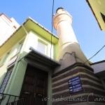 sirkeci-mustafa-aga-camii-minaresi-kapi-1200x800