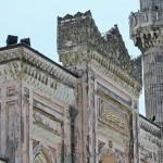 yildiz-hamidiye-camii-giris-kapisi-minaresi-islemeleri-1200x800