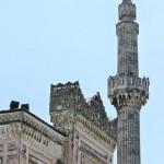 yildiz-hamidiye-camii-kapi-ve-minaresi-800x1200