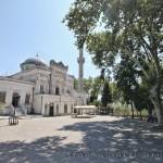 yildiz-hamidiye-camii-kubbe-minare-avlu-1200x800