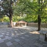 haci-evhaddin-camii-fatih-giris-avlu-1200x800