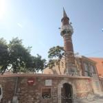haci-huseyin-aga-camii-fatih-minaresi-giris-1200x800