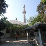 ramazan-efendi-camii-fatih-avlusu-sadirvan-minare-1200x800