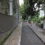 balipasa-camii-fatih-avlu-fotografi-1200x800