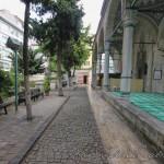 balipasa-camii-fatih-avlu-sutun-1200x800