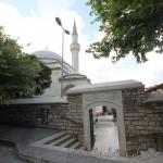 iskender-pasa-camii-fatih-giris-1200x800
