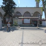 sumbul-efendi-camii-fatih-avlusu-1200x800